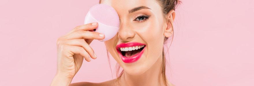 nettoyer  la peau de son visage